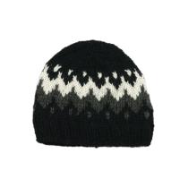 Ručně pletená čepice černá